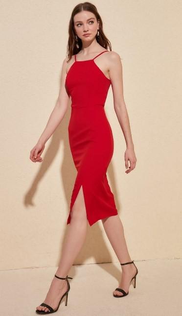 Dopasowana sukienka do80 zł